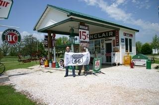 Robert and Sabine during their 3-week Route 66 Juggernaut. Gesundheit!